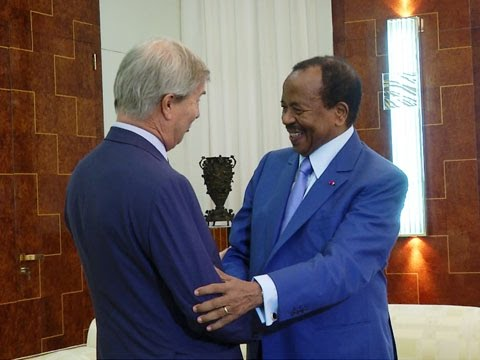 Audience accordée par S E Paul BIYA à Monsieur Vincent BOLLORE, le 6 avril 2016