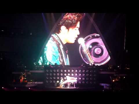 周杰倫超時代演唱會2010香港站尾埸 世界末日 張惠妹 哭不出來