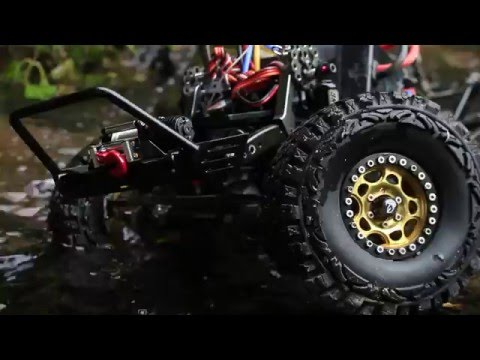 [ATees] Axial Racing SCX10 Crawling Session