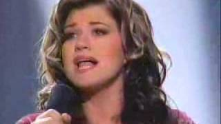 Kelly Clarkson - A Moment Like This (Winning Performance)