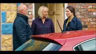 Coronation Street spoiler: Phelan is stunned when daughter Nicola makes unexpected return to apologi