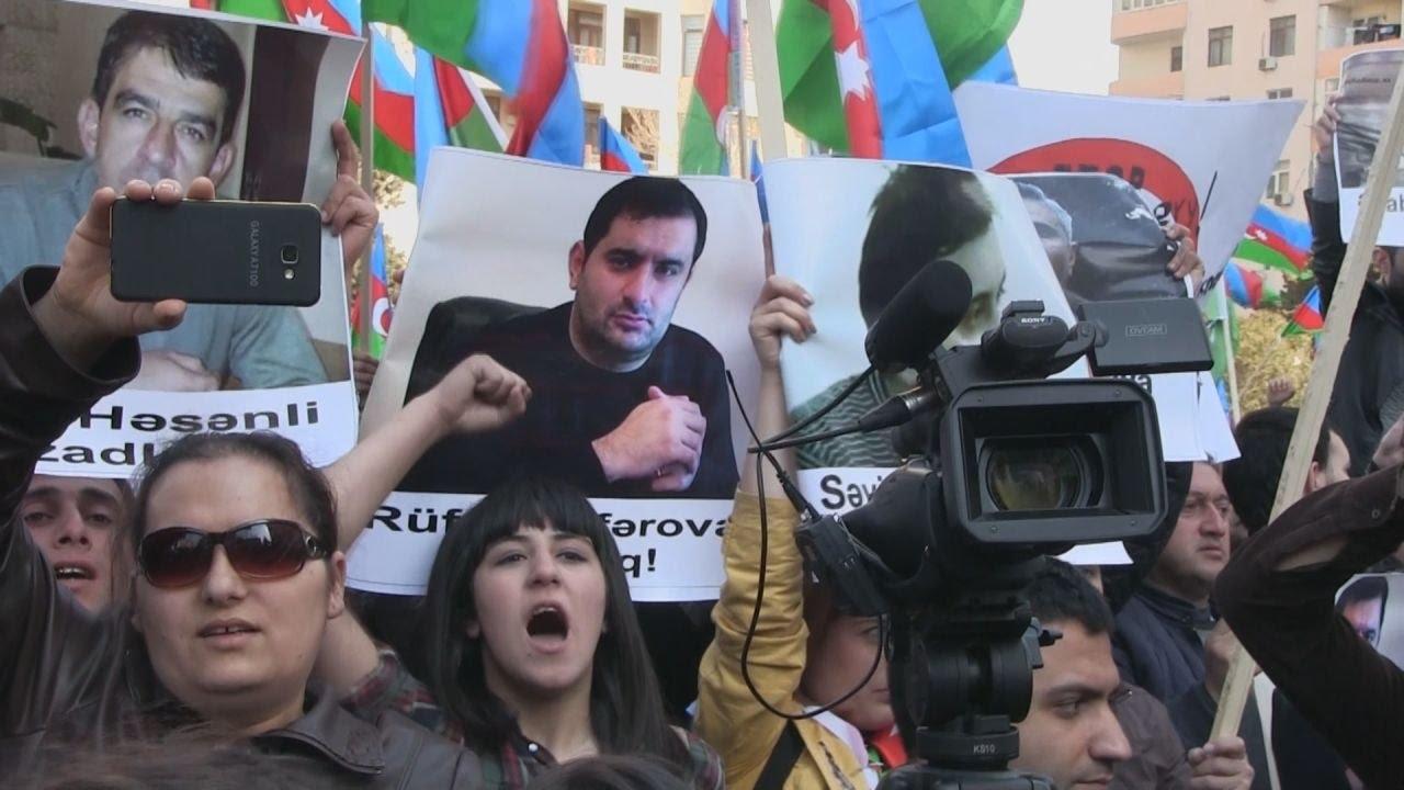 """Митинг оппозиции в Баку: """"Нет грабежу, нет лжи, нет монархии!"""""""