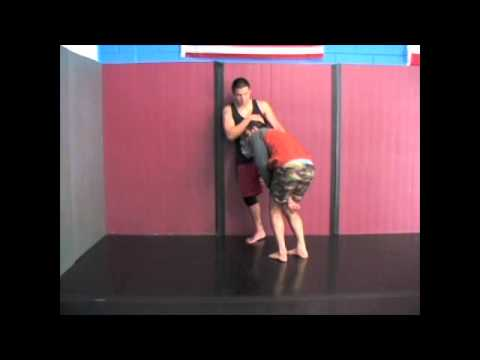 Coach Charlie Bo & Eddie: Single Leg Dump - Off The Wall