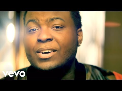 Sean Kingston - Beat It ft. Chris Brown, Wiz Khalifa (Official Music Video)