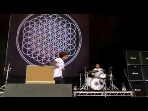 Bring Me The Horizon - Chelsea Smile [Reading Festival 2013] [Full HD 1080p]