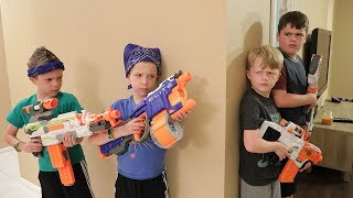 Nerf War : Extreme Toys TV takes on Twin Toys! (Lost Toy Treasure Hunt)