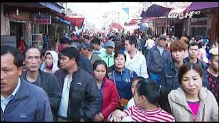 (VTC14)_Nghẹt thở khi đi chợ Viềng