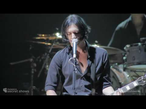 Placebo performing Blind