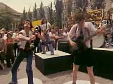 AC/DC-Its a long way to the top (if you want to rock n roll)
