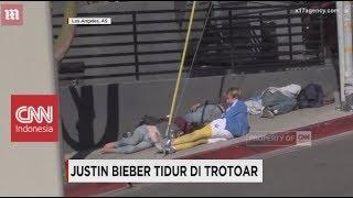 Justin Bieber Tidur di Trotoar?
