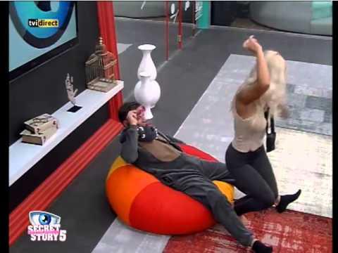 Baixar Secrey Story 5 Agnes faz dança sensual para Luis M