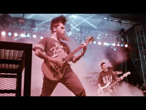 Neck Deep - Serpents (Live at So What?!)
