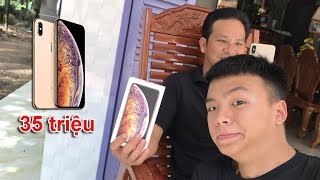Đi Mua iPhone XS MAX Tặng Ba ( Give father iPhone XS MAX )