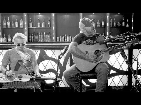 Aaron Lewis - That Ain't Country (Acoustic) // The Bluestone Sessions