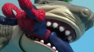 đồ chơi siêu nhân người nhện cá mập Spiderman vs Shark Toys 스파이더맨 vs 상어 장난감