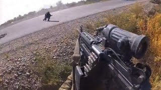 Taliban baghold set fra en gunners point-of-view