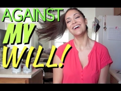 Baixar Julie Vlogs: Crafting Against My Will