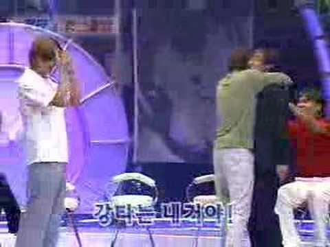 Hyesung kisses Kangta!