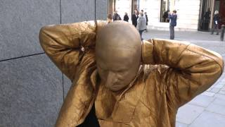 GOLD - A day in the life of a Living Statue