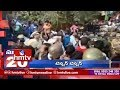 Sabarimala Row : Two women Devotees Denied Entry to Lord Ayyappas Shrine | Super 20 | hmtv