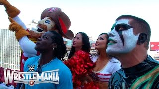 "R-Truth and Stardust have a big screen ""WWE 2K15"" battle at Levi's® Stadium"