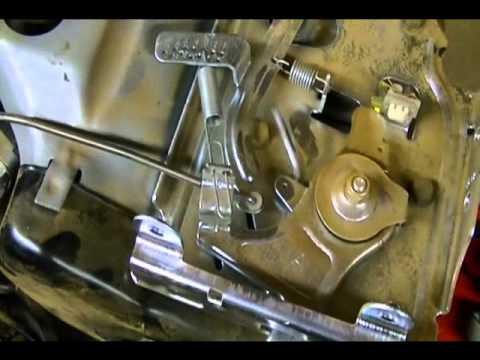 Small Engine Repair Carburetor Linkages On A Briggs