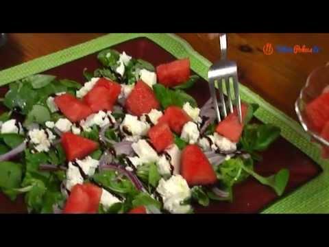 Jak zrobić sałatkę z roszponki z arbuzem