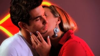 How to Kiss a Guy's Neck   Kissing Tips