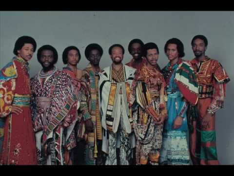 Earth, Wind & Fire - Devotion (Live) [HQ]!!
