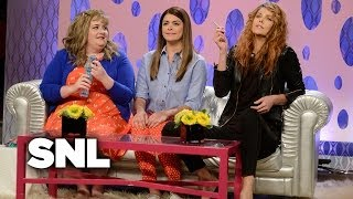 Girlfriends Talk Show: Miss Christine, the New Drama Teacher - SNL