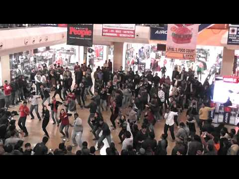 Vismay: Flash Mob by IIM Lucknow students for Manfest 2013 in association with Random Walk.