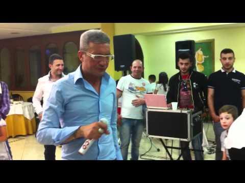 Tony Marciano canta