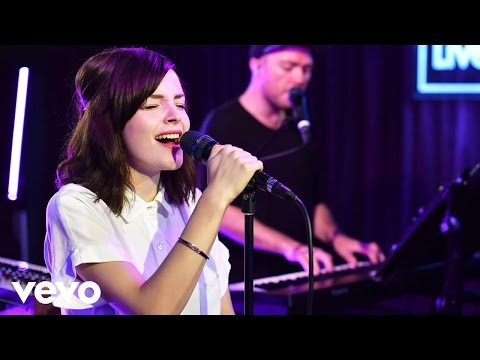 CHVRCHES - Bury It in the Live Lounge