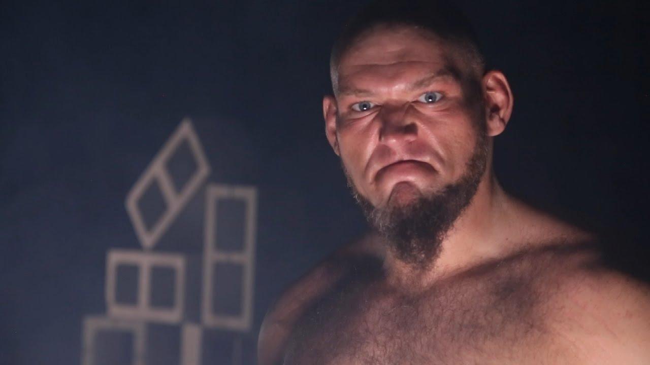 Vince McMahon queria Lars Sullivan pronto para combate contra Brock Lesnar