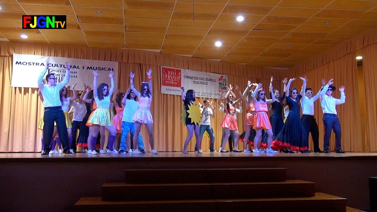 01. Campanera/Chica Ye Ye/Tombola/Un Rayo de Sol (2º Bach) - XV Mostra musical i cultural IES Gilabert de Centelles 2015 Nules