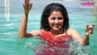 Anupama Parameswaran looks simply gorgeous in Vanitha phot..