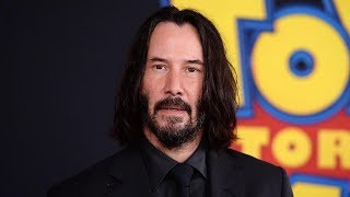 Keanu Reeves SURPRISES Fans While Filming Bill & Ted Face the Music