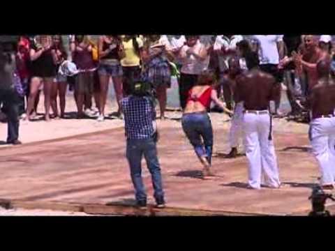 Jennifer López practicó capoeira en la Playa de los Ingleses