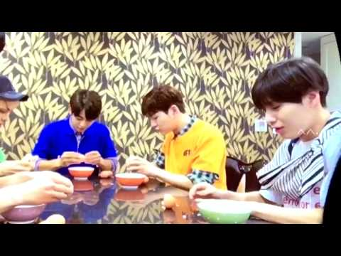 SHINee VCR Playing Game on Seek (fancam)