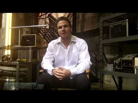 GreenArrowTV ARROW On-Set Interview - Stephen Amell Talks ...
