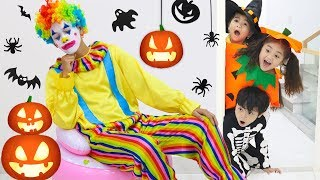Suri & Annie Pretend Play Fun Fall Halloween Trick or Treating for Candy Haul