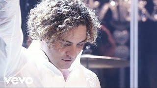 Esclavo De Sus Besos (Versión Acústica / Una Noche En El Teatro Real / 2011)
