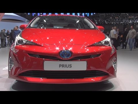Toyota Prius Hybrid (2016) Exterior and Interior in 3D