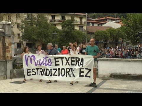 Maite Aranalderi babesa adierazteko manifestazioa egin dute Ibarran