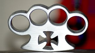 Casting Aluminium  Knuckle Duster out of empty Aluminium CANS.