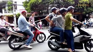 """Màn Hình Sự Tung Cú đạp Ngã Xe, Tóm Gọn 2 """"nữ Quái"""" Ma Túy Như Phim - VietNam News"""