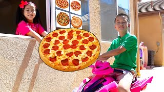 Pizza Drive Thru Pretend Play with Jannie and Andrew   Kids Bake and Deliver Pizza Food Toy Store