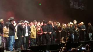 Randy Travis - Amazing Grace/Will The Circle Be Unbroken (A Heroes and Friends Tribute ) 2/8/17