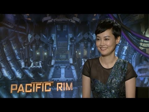 Rinko Kikuchi - Pacific Rim Interview HD - YouTube
