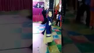 Little baby girl dance